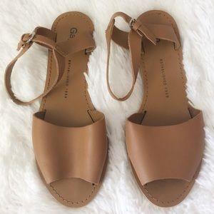 {GAP} Cognac Sandals